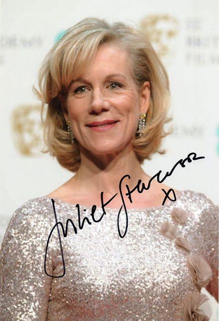 Juliet Stevenson, English actress, signed 12x8 inch photo.